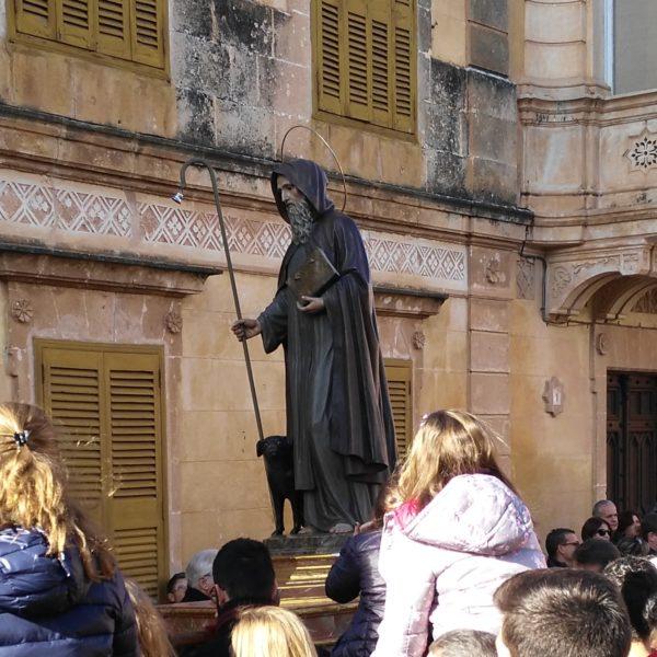 """La Fundació Jaume III propone que """"Sant Antoni, Dia de Menorca"""" sea el nombre oficial de la fiesta y no """"Diada del poble de Menorca"""""""